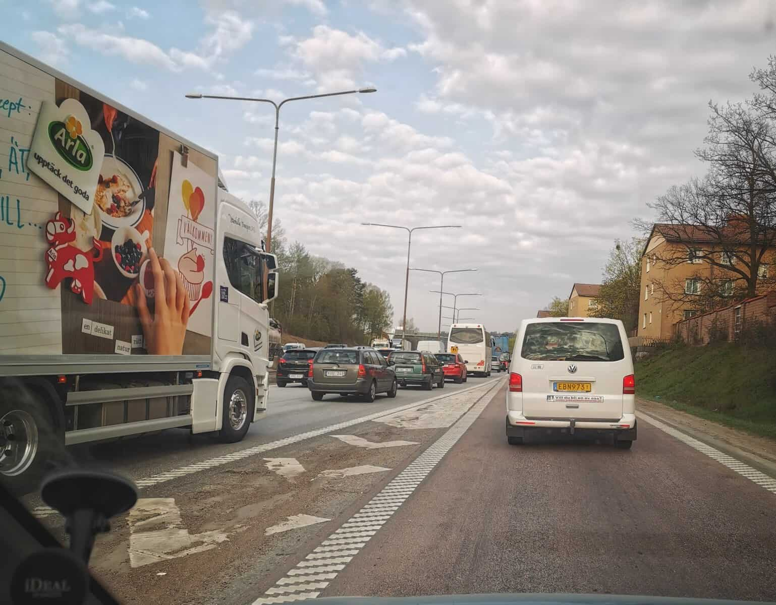 Bilkö från väg 56 ut på E18 i Västerås.